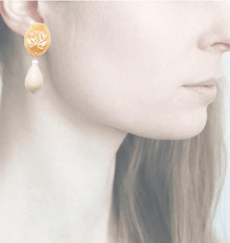 Profile, Cammeo, Amore, Ape e fiore, bianco, AM5