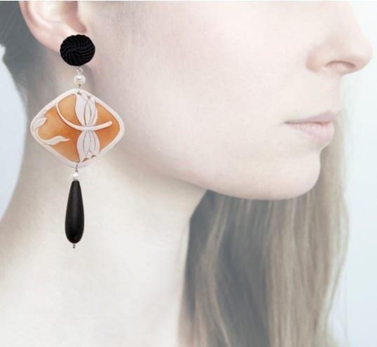 Profile, Libellula nero