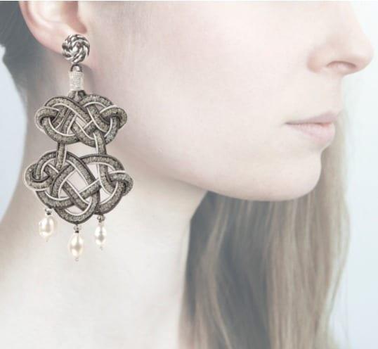 Profile, chandelier grigio