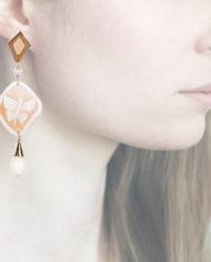Profile, Anna e Alex, Enamel collection, cammeo, farfalla, beige, OCAMSM6